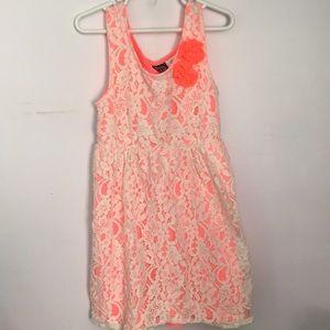 Dresses & Skirts - Coral lace floral dress